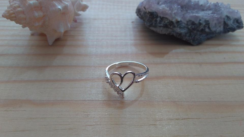 Imagen de Anillo de plata solida con corazon num 6 numero 0