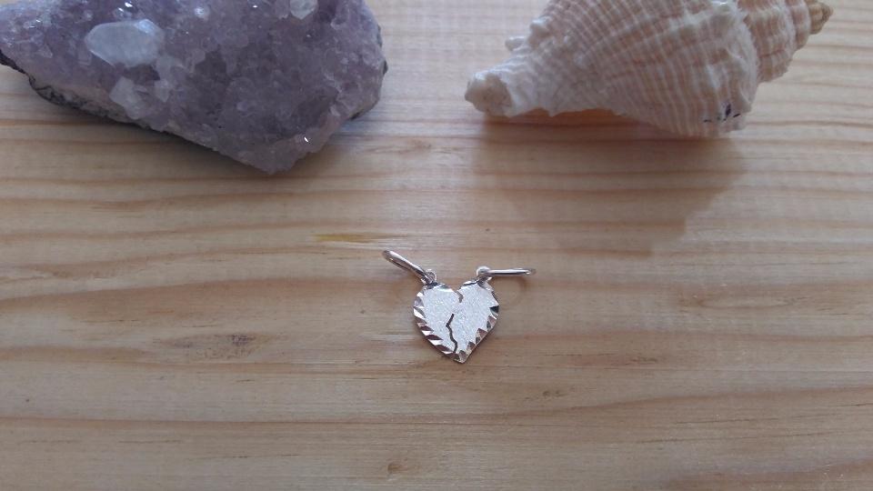 Imagen de Dije de plata corazon doble numero 1