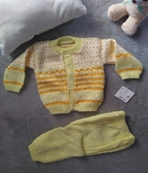Imagen de Trajecito tejido para bebe