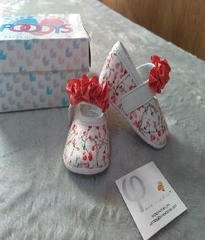 Imagen de Zapatos para bebe floreados blancos mod102