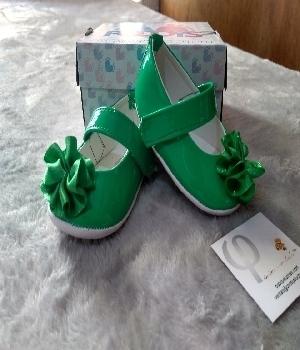 Imagen de Zapatos para bebe verdes brillantes mod201